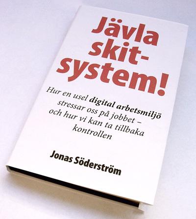 """Omslag till """"Jävla skitsystem!"""""""