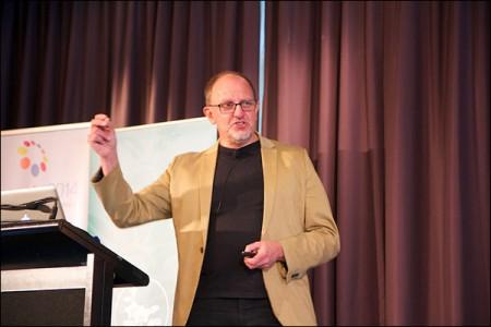 jonas uppviglar massorna i sin keynote i Sydney